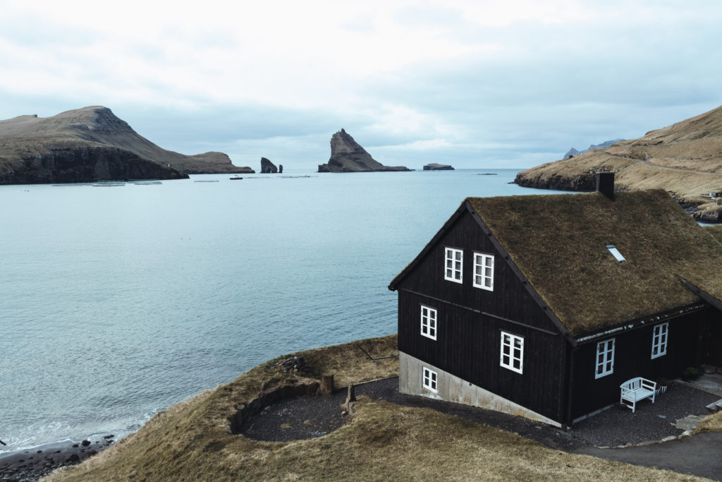 Faerské ostrovy - dedinka Bour
