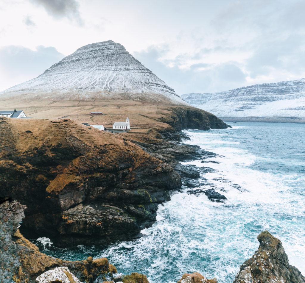 Faerské ostrovy - kostol v dedinke Vidareidi