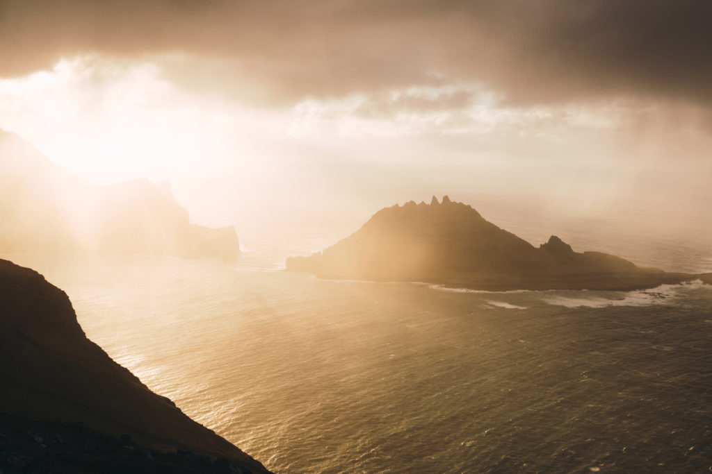 Faerské ostrovy - počasie vyznačujúce sa častými zrážkami a silným vetrom