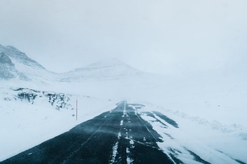 Faerské ostrovy - šoférovanie v nepriaznivom počasí