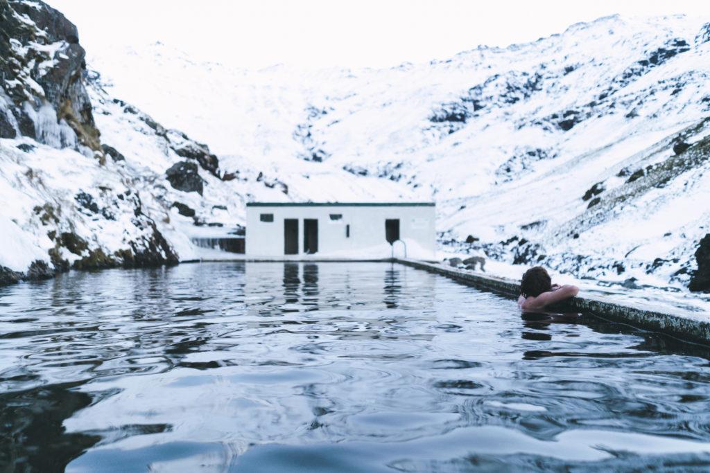 Termálny bazén na Islande