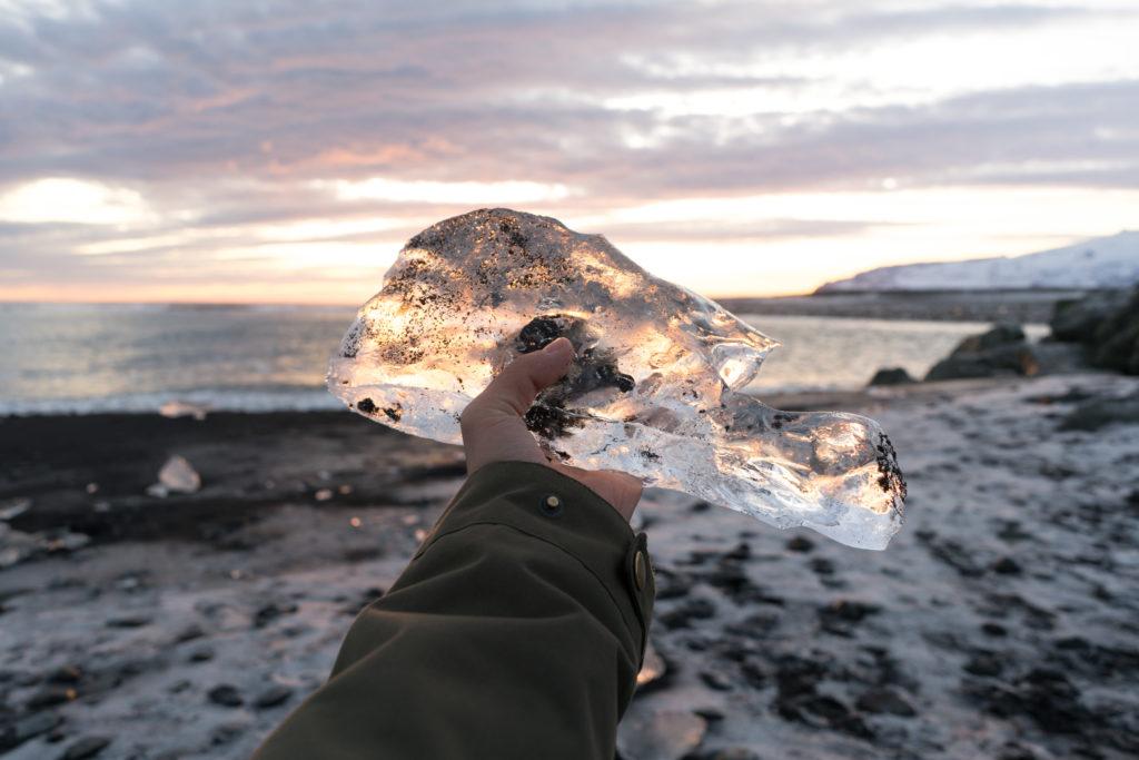 Kus ľadu z Ľadovcovej lagúny