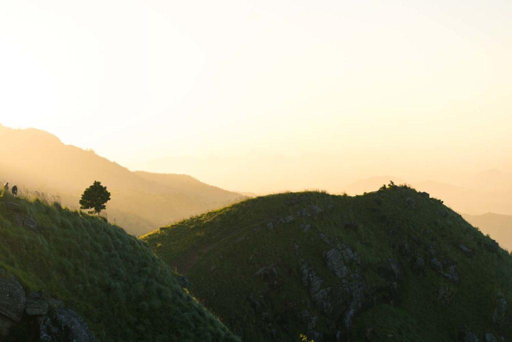 Východ slnka pri dedinke Ella