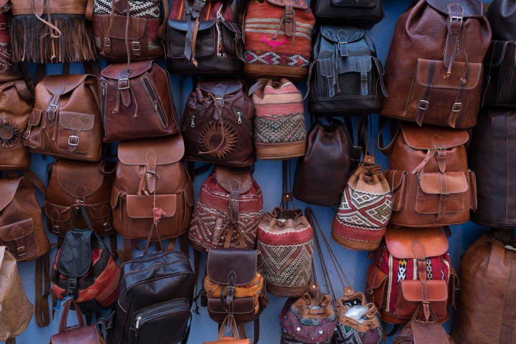 Trh s koženými výrobkami