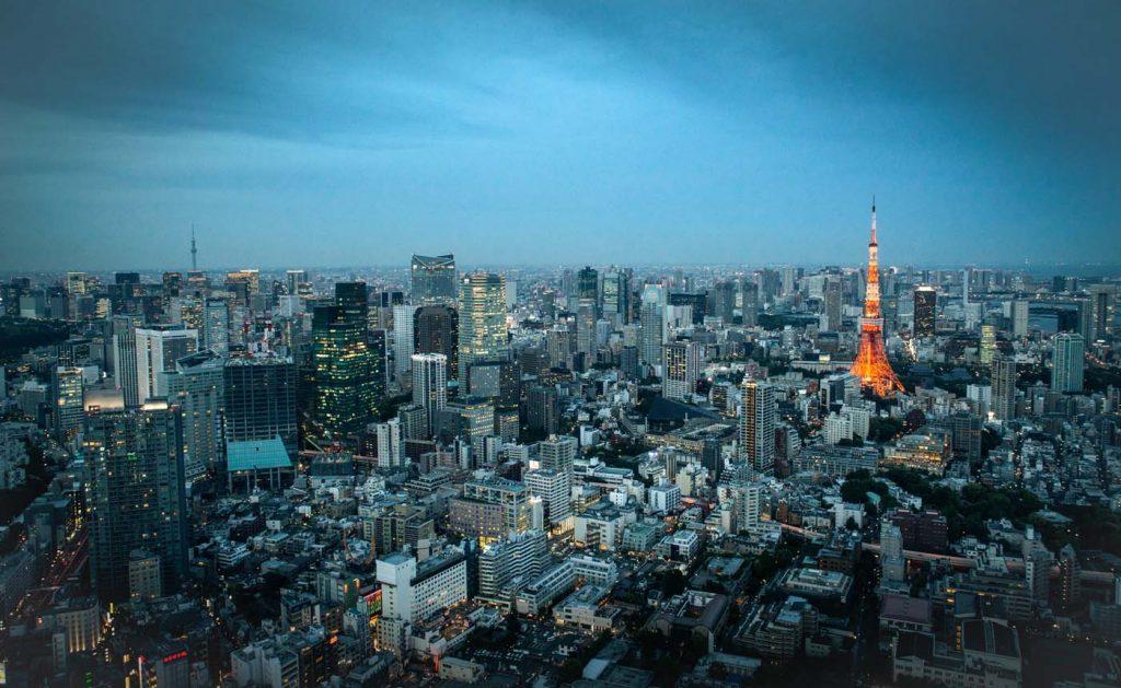 Výhľad z Roppongi Hill na Tokyo tower