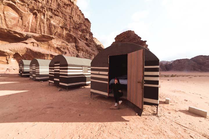Kemp v päšti Wadi Rum