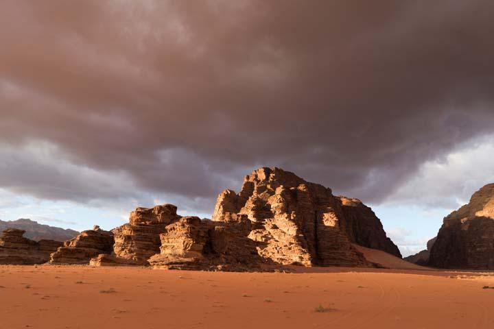 Červená skala v púšti