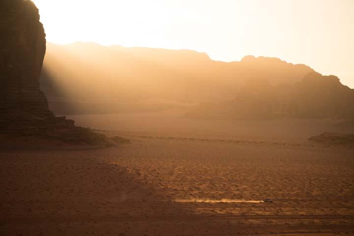 Jordánsko - prašná cesta
