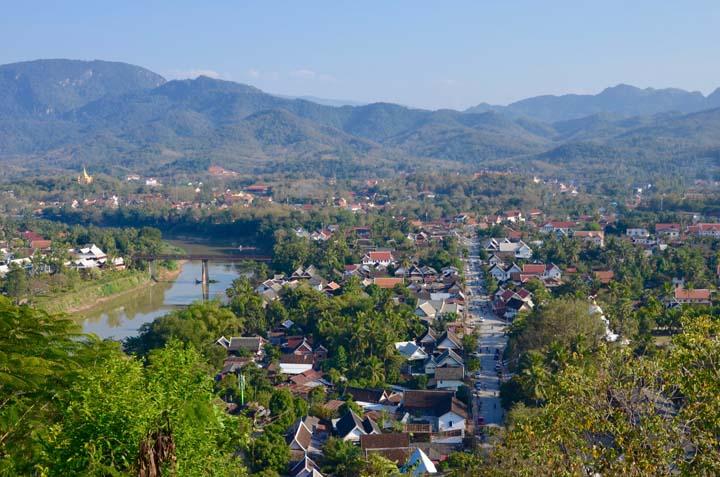 Výhľad na Luang z kopca Phou Si