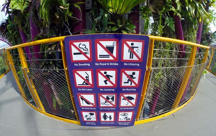 Bizarné zákazy v Singapure.