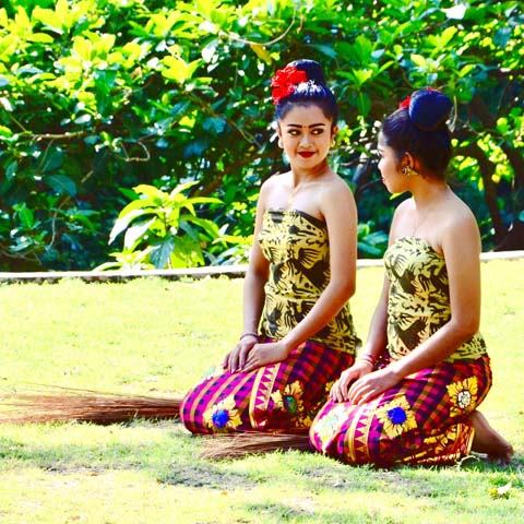 Obyvatelia mesta Ubud na Bali