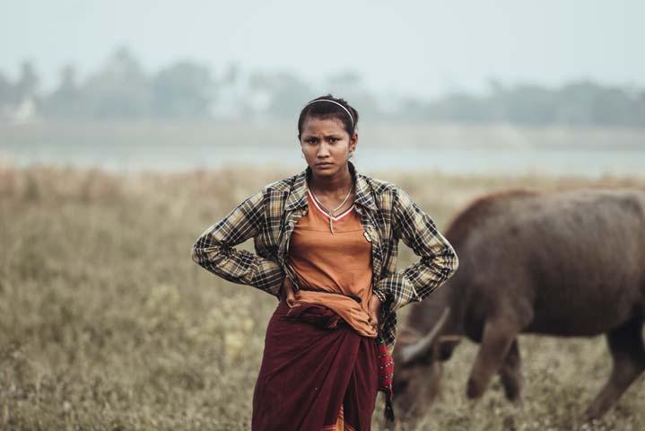 Hoci je most U Bein jednou z najväčších atrakcii v Mjanmarsku, stále na tomto mieste žijú rodiny, ktoré na lokalite chovajú zvieratá. Či sú to už pastieri dobytka alebo chovatelia kačiek.