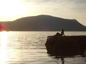 Nórsko má tisícky fjordov, jazier, vodopádov a ľadovcov takže táto krajina určite stojí za navštívenie.