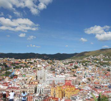 Guanajuato je nádherné mesto v Mexiku vzdialené od Mexico city asi 4 hodiny na aute. Je to perfektné miesto na strávenie víkendu a vychutnanie si atmosféry. Takže ak neviete čo na víkend ak budete v Mexiku, toto miesto určite stojí za navštívenie.