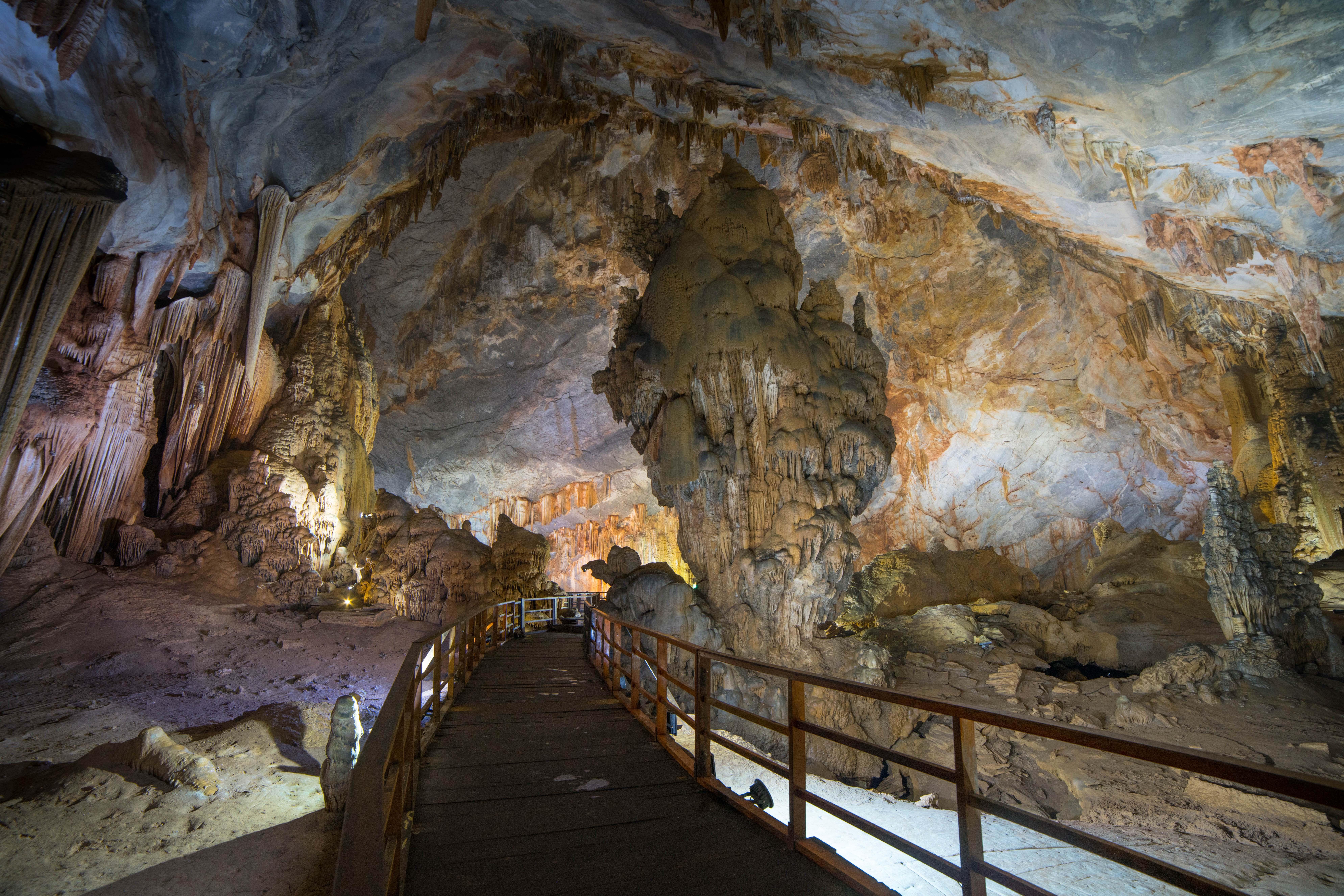 Paradise cave v národnom panku Phong Nha