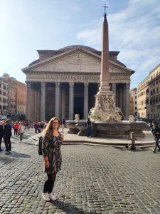 Rím: chrám na námestí Piazza della Rotonda.