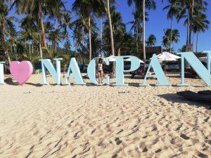 Pláž, Nacpan Beach, ktorú nájdete, ak sa rozhodnete pre Filipíny.