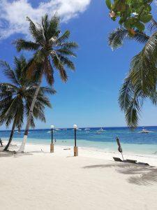 Na tomto ostrove Panglao - Bohol (Filipíny) sme si našli krásnu Alona Beach smorskými hviezdicami