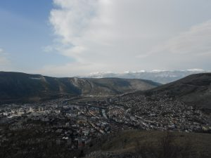 pohľad na Mostar zhora