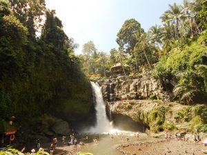 Bali, mestečko Ubud: Vodopád Tegenungan